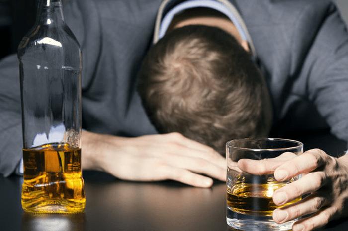 Tipos de alcoholismo y trastornos asociados