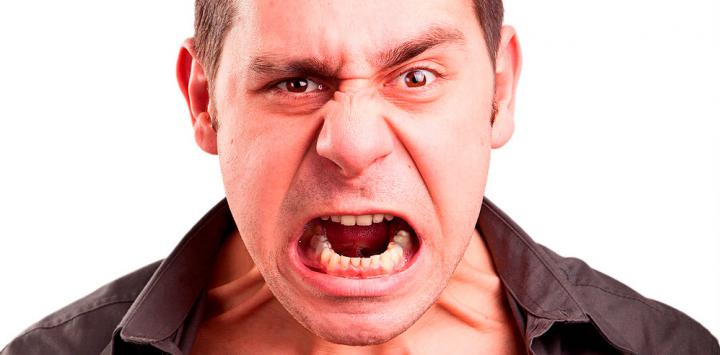 El alcohol estimula la agresividad, descubre por qué